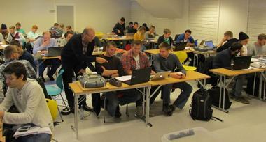 Finn Haugen i klasserommet